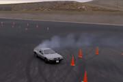 ببینید | خودروی بدون راننده در مسابقه دریفت با مانع!
