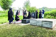 گزارشی از مراسم هفتم رومینا اشرفی/ اهالی روستا: شبها وحشتزده از خواب بیدار میشویم