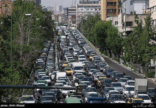ترافیک سنگین در معابر اصلی و بزرگراهی پایتخت/ جزییات