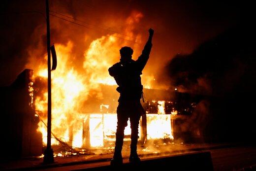 اوبرایان:ایران و روسیه آمریکا را به آشوب کشیدند/اعلام منع آمد و شد و تعطیلی کاخ سفید و واشنگتن/واکنش تند پلوسی و پیوستن رئیس پلیس میشیگان به معترضان