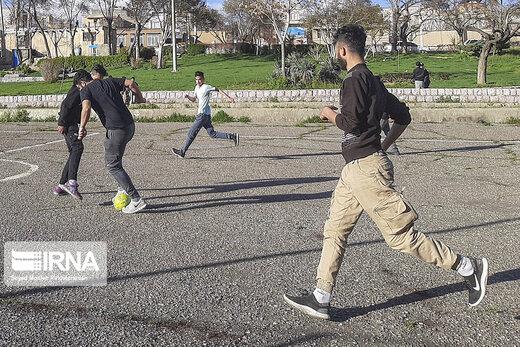ایرانیان بالای ۱۵ سال چگونه وقت خود را میگذرانند؟