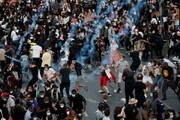 عکس روز رویترز؛ معترضان خشمگین سوار بر اسب