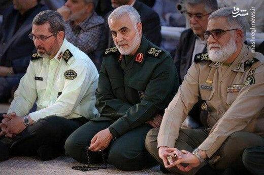 ببینید | تصاویر دیده نشده از آخرین حضور شهید سپهبد سلیمانی در مراسم گرامیداشت سالگرد ارتحال امام خمینی (ره)