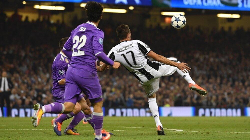 امروز سالگرد دوازدهمین قهرمانی رئال مادرید در لیگ قهرمانان اروپا است که با برتری مقابل یوونتوس به دست آمد.