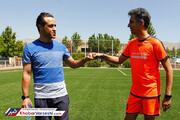 ببینید | رقابت عادل فردوسیپور و علی کریمی در زمین فوتبال