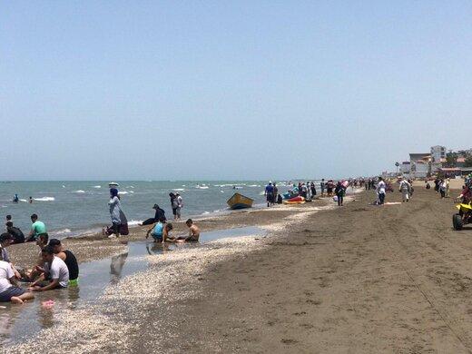 15 خرداد و مردمی که در ساحل بابلسر ترسی از کرونا ندارند