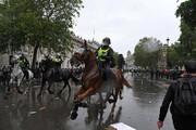 ببینید | عاقبت وحشیگری پلیس اسبسوار لندن