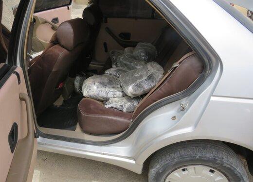 توقیف پژو۴۰۵ و کشف ۲۱۱ کیلو مواد مخدر در فارس