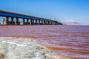 ببینید | دریاچه ارومیه در پایان تیرماه قرمز رنگ میشود؟