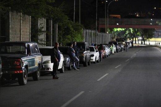 ادامه بحران صفهای طولانی بنزین در ونزوئلا