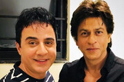 ببینید | واکنش شاهرخ خان به آواز هندی عموپورنگ