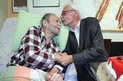 بازنشر یک گزارش قدیمی/جشن تولد محمدعلی کشاورز با حضور جمشید مشایخی ۸سال پیش