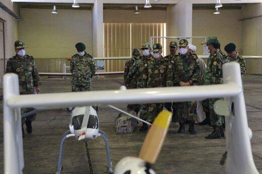 بازدید امیر موسوی و امیرحیدری از یگان پهپادی نیروی زمینی ارتش+عکس