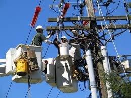 فرسودگی ۳۶ درصد شبکه برق گیلان/ شبکه توزیع برق استان به کابل خودنگهدار تجهیز میشود