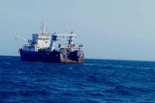 ببینید | توقیف 2 فروند کشتی صید ترال توسط نیروی دریایی سپاه درمحدوده آبهای چابهار