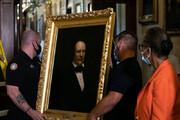 ببینید   عکس رؤسای بردهدار مجلس آمریکا از دیوار برداشته شد