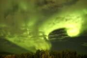 ببینید | لحظات خیالانگیز شفق قطبی در کانادا
