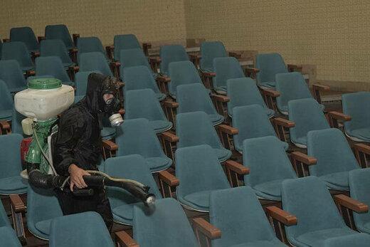 ضدعفونی کردن تالارهای «تئاتر شهر» / عکس