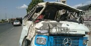 تصادف شدید مینیبوس و وانت در شرق تهران یک کشته به جا گذاشت