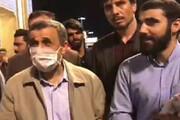 ببینید | جنجال در شبکههای اجتماعی به خاطر بوسیدن یک نوزاد توسط احمدینژاد در قم