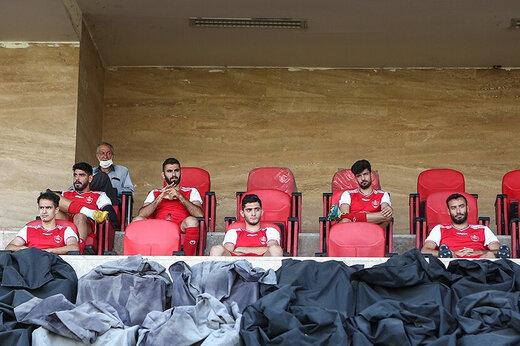 روی نیمکت پرسپولیس جا نبود،بازیکنان سکو نشین شدند/عکس