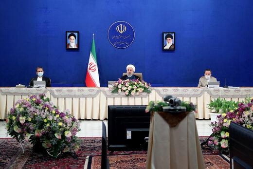 هشدار جدی روحانی به صادرکنندگان ارز / فشارها بر دولت عادی نیست