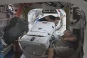 ببینید | خروج دو فضانورد از ایستگاه بین المللی فضایی برای حرکت در فضا و چک کردن باتری ها