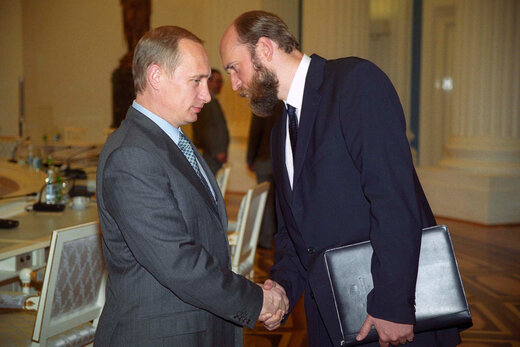 تصاویر دختران پوتین لو رفت؛خیانت در امانت رفیق گرمابه و گلستان آقای رئیس جمهور!