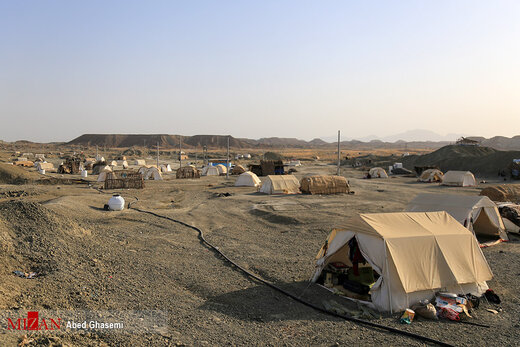 جولان گرما در کمپ سیل زدگان زاج و داربست