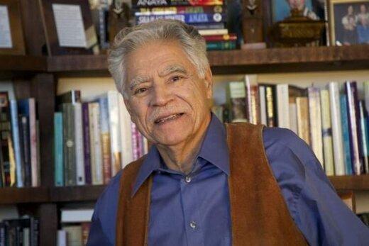 رودلفو آنایا، پدرخوانده ادبیات چیکانو در ۸۲ سالگی درگذشت