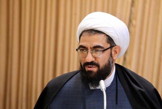 امام جمعه همدان: وضعیت فعلی فضای مجازی مطلوب دشمنان نظام و اسلام است