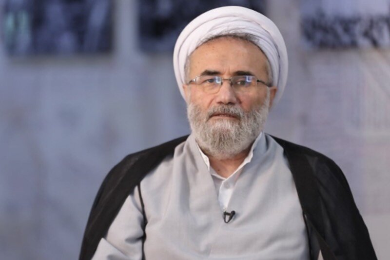 توصیه های مسیح مهاجری به رئیسی/ با این کابینه، کاری از پیش نمی برید/ شائبه احمدی نژادی بودن را از دولت دور کنید