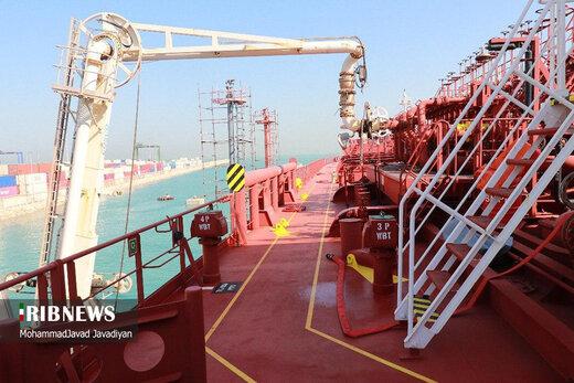 آمریکا از پاکستان درخواست کرد تا یک کشتی نفت ایرانی را توقیف کند