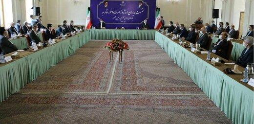 ظریف: وزارت خارجه در مقابل دوستان داخلی هم مجبور به دفاع از خود است