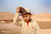تصاویر | کار کوردکان در کنار تنور داغ کورههای آجرپزی در تابستان