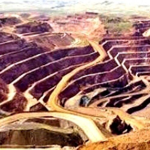 انتخاب بهره برداران ۸ محدوده معدنی در استان چهارمحال و بختیاری