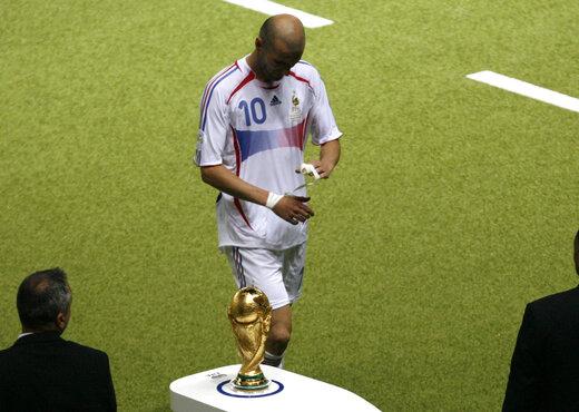 خاطرهبازی با حرکت عجیب زیدان و آخرین قهرمانی ایتالیا در جامجهانی/عکس