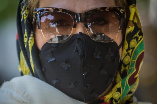 من ماسک میزنم
