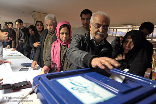 نایب رئیس شورای شهر تهران: شورایاریها با قانون اساسی مغایرت ندارند