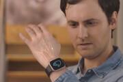 ببینید | ساعت هوشمندی که با حرکت انگشتان دست، تنظیم می شود