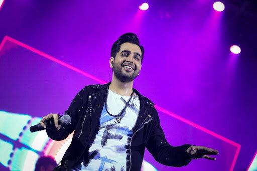 ببینید | اجرای آهنگ معروف «اگه یه روز» توسط فرزاد فرخ