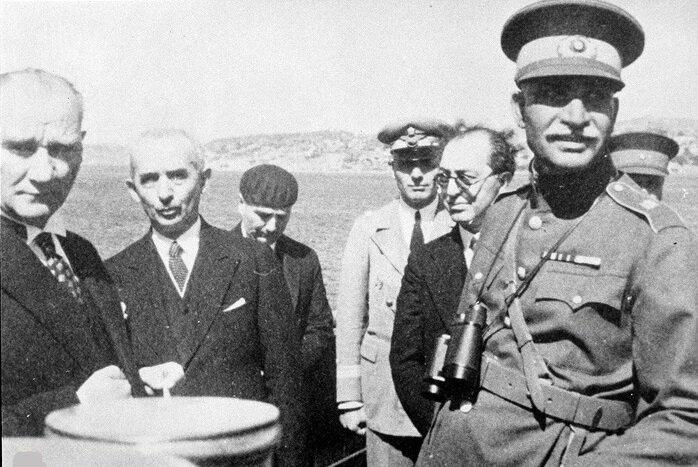 سوغاتی که رضاخان پس از سفر به ترکیه برای مردم کشورمان آورد چه بود؟