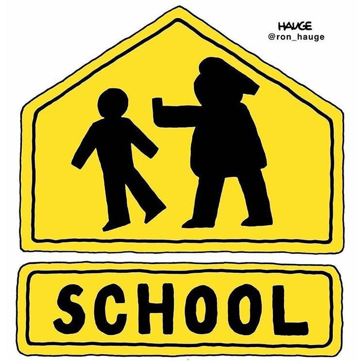 تابلوهای جدید مدارس در آمریکا را ببینید!