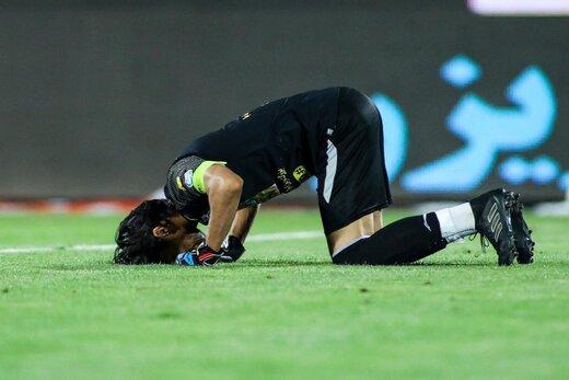 واکنش جالب حسینی در بازی دوستانه استقلال /عکس