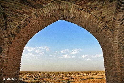 ایرانِ ما؛ کاروانسرای دِیرِ گچین