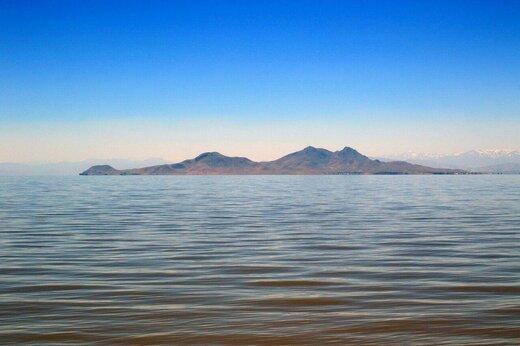 تراز دریاچه ارومیه از ابتدای تیرماه ۱۶ سانتیمتر کاهش یافت