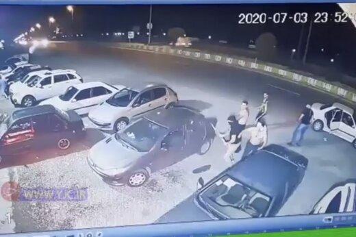 ببینید | حمله وحشیانه اراذل و اوباش به رستورانی در استان مازندران