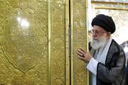 ببینید | تصاویری کمتر دیده شده از حضور رهبر انقلاب در مراسم غبار روبی حرم امام رضا(ع)