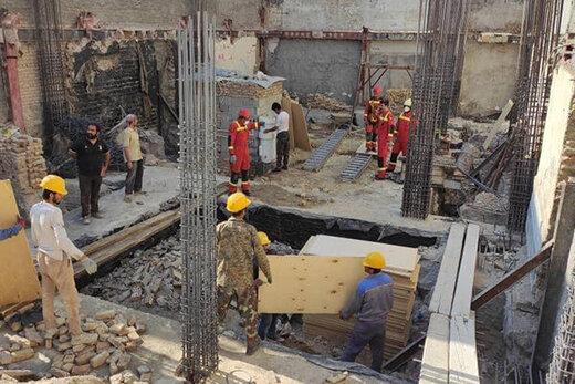 عملیات ۱۲ ساعته آتشنشانی برای نجات کارگر گرفتار در چاه