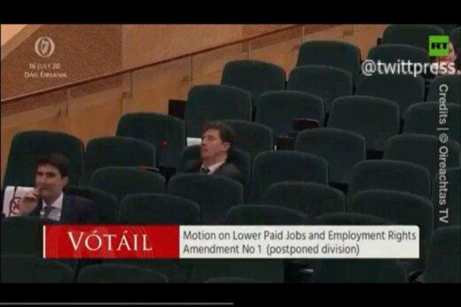ببینید   خوابیدن رهبر حزب سبزهای ایرلند در پارلمان